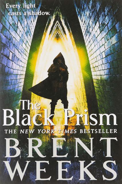המדף הזאנרי:  The Black Prism – ברנט וויק